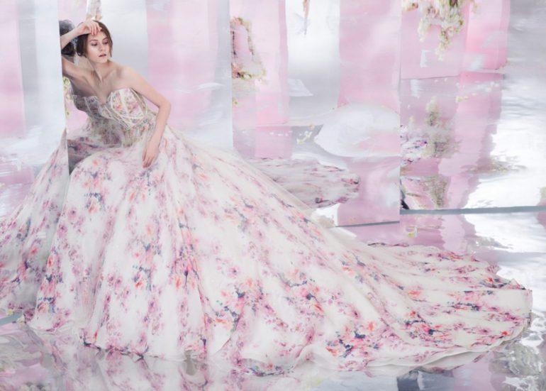 Vidám tavaszias esküvői trend jelentés  virágba borultak a legszebb ... 91cc8c9ede