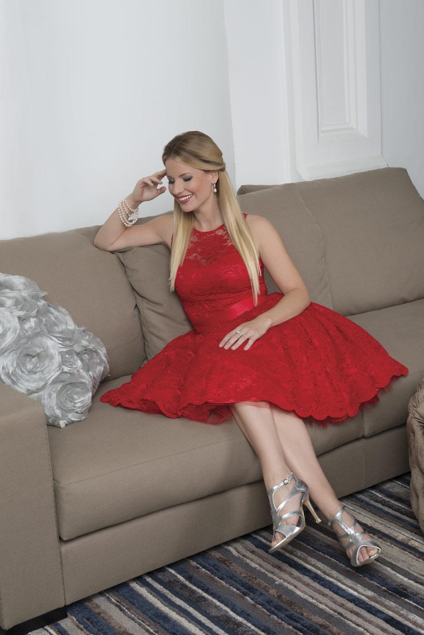 Stohl Luca Madai Vivien, menyasszonyi ruha Rabocsi Renata, alkalmi ruha, esküvői ruha
