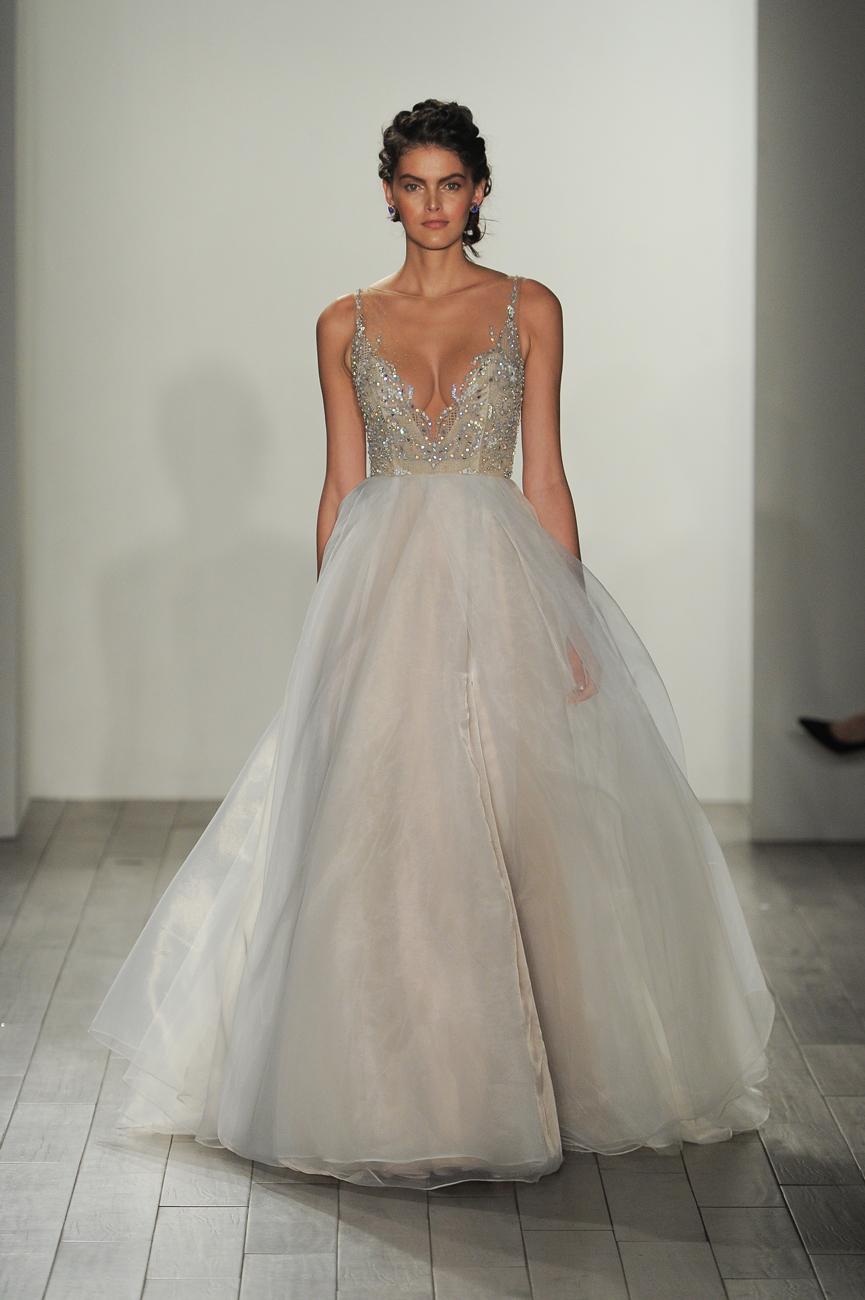Hayley Paige fehér kristályos menyasszonyi ruha