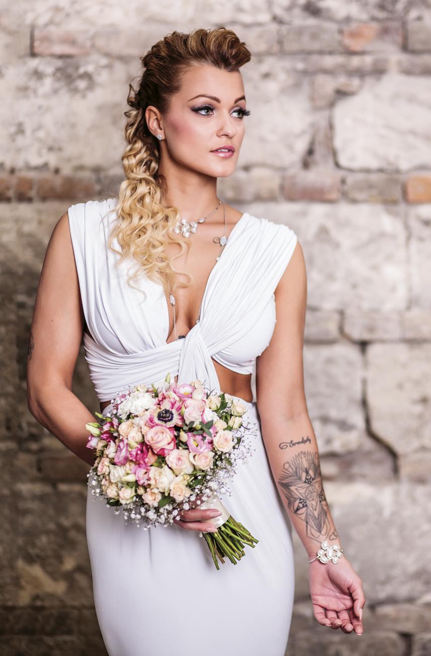 szőke menyasszony smink, frizura, alkalmi smink, smink esküvőre szőke hajhoz