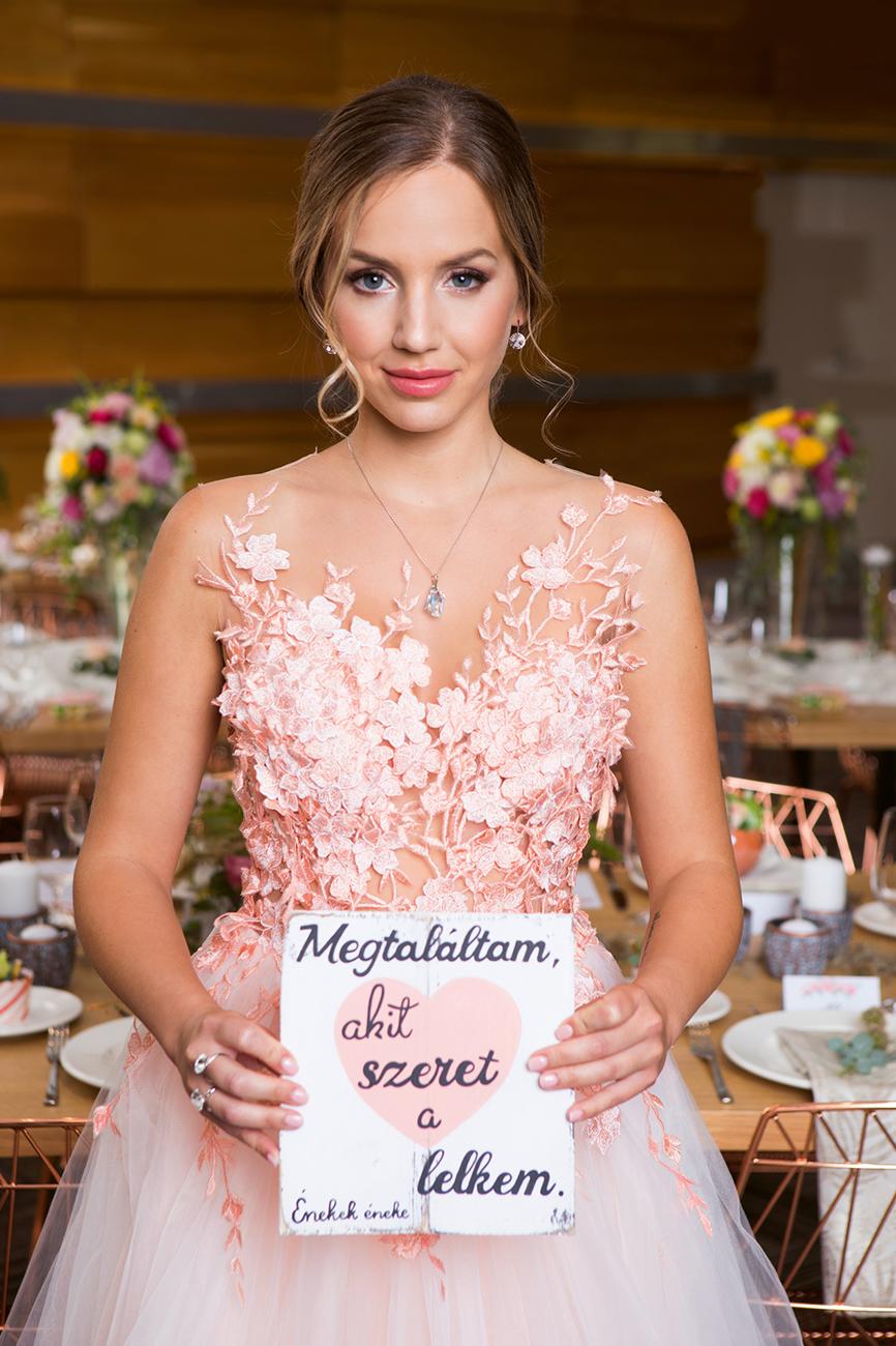 esküvői fodrász, Esküvői fodrászt keresel? Ismerd meg Novák Adri mesterfodrászt, aki már számtalanszor bizonyított fotózásunkon