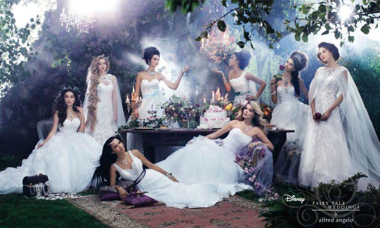 ff9ae4e972 Diseny esküvő, esküvői dekoráció, menyasszonyi ruha, Csipkerózsika, Belle,  Jasmine, Aranyhaj