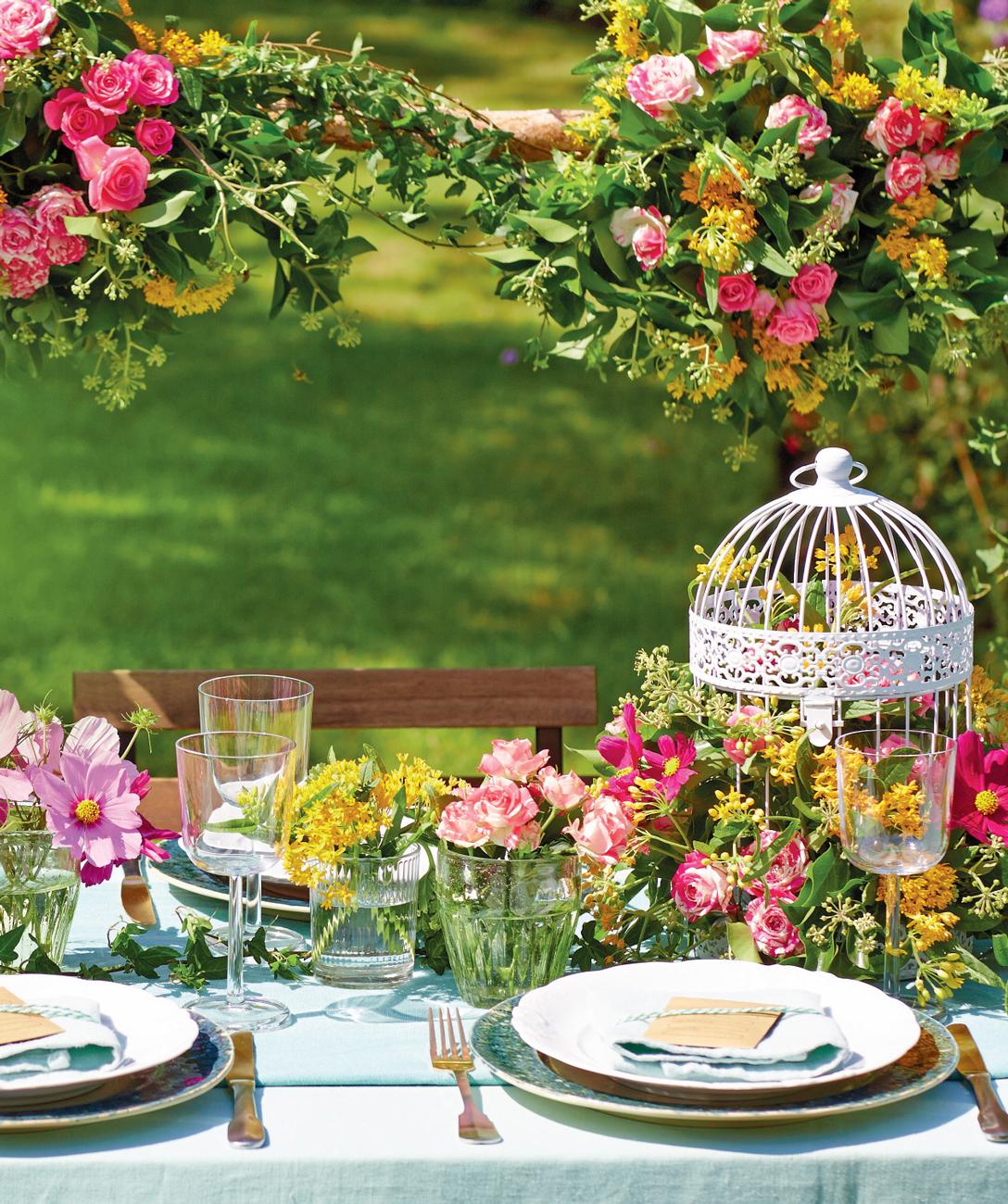 vintage dekor, esküvő, kalitka, virágdekor, asztaldekoráció