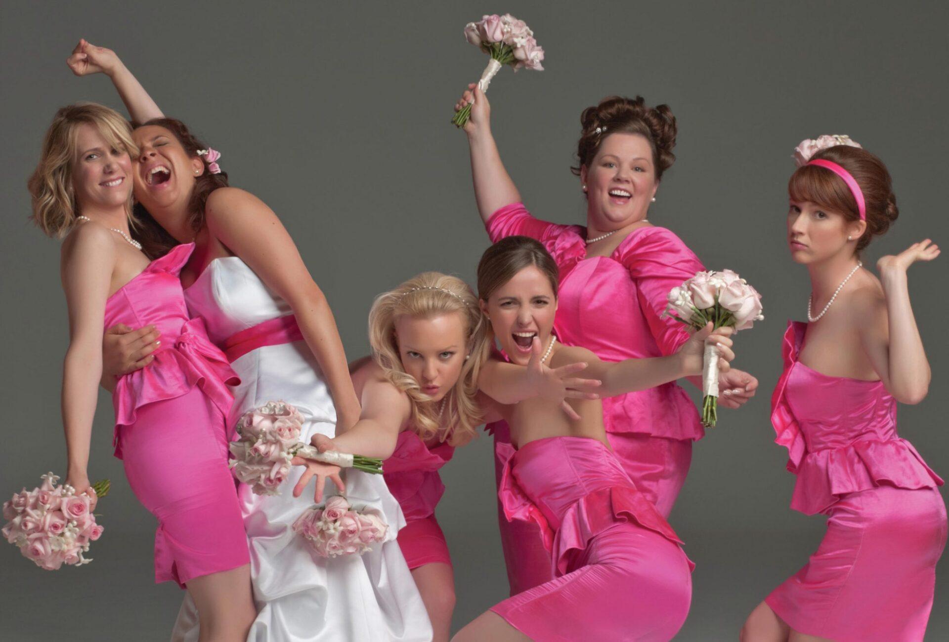 Koszoruslány, etikett, esküvő, esküvői film, alkalmi ruha, ruha