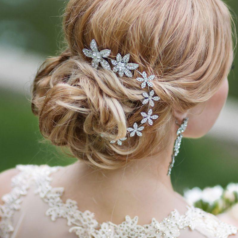 menyasszonyi frizura, hajékszer, alkalmi frizura