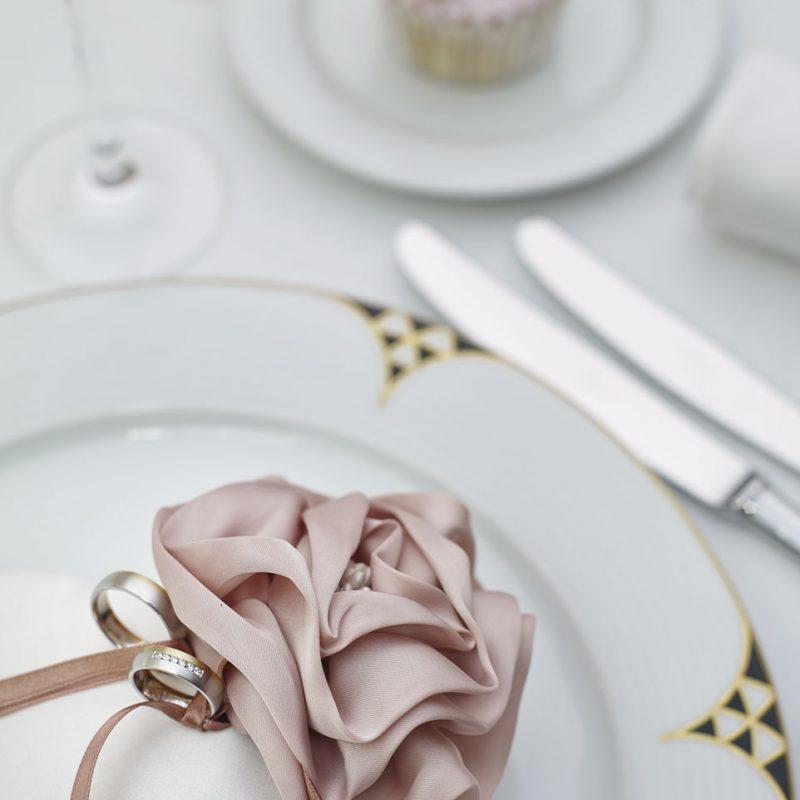 romantikus esküvői dekoráció, arany, ezüst, rózsaszín