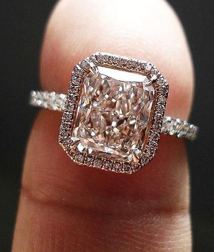gyűrű, Mit árul el rólad az eljegyzési gyűrűd? – Nézd meg mit jelentenek az egyes formák!