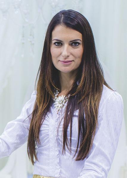 menyasszonyi kiegészítő, A stílusos menyasszony ismérve: Menyasszony stylistunk elárulja, hogy találd meg a tökéletes menyasszonyi kiegészítő és ruha kombinációt