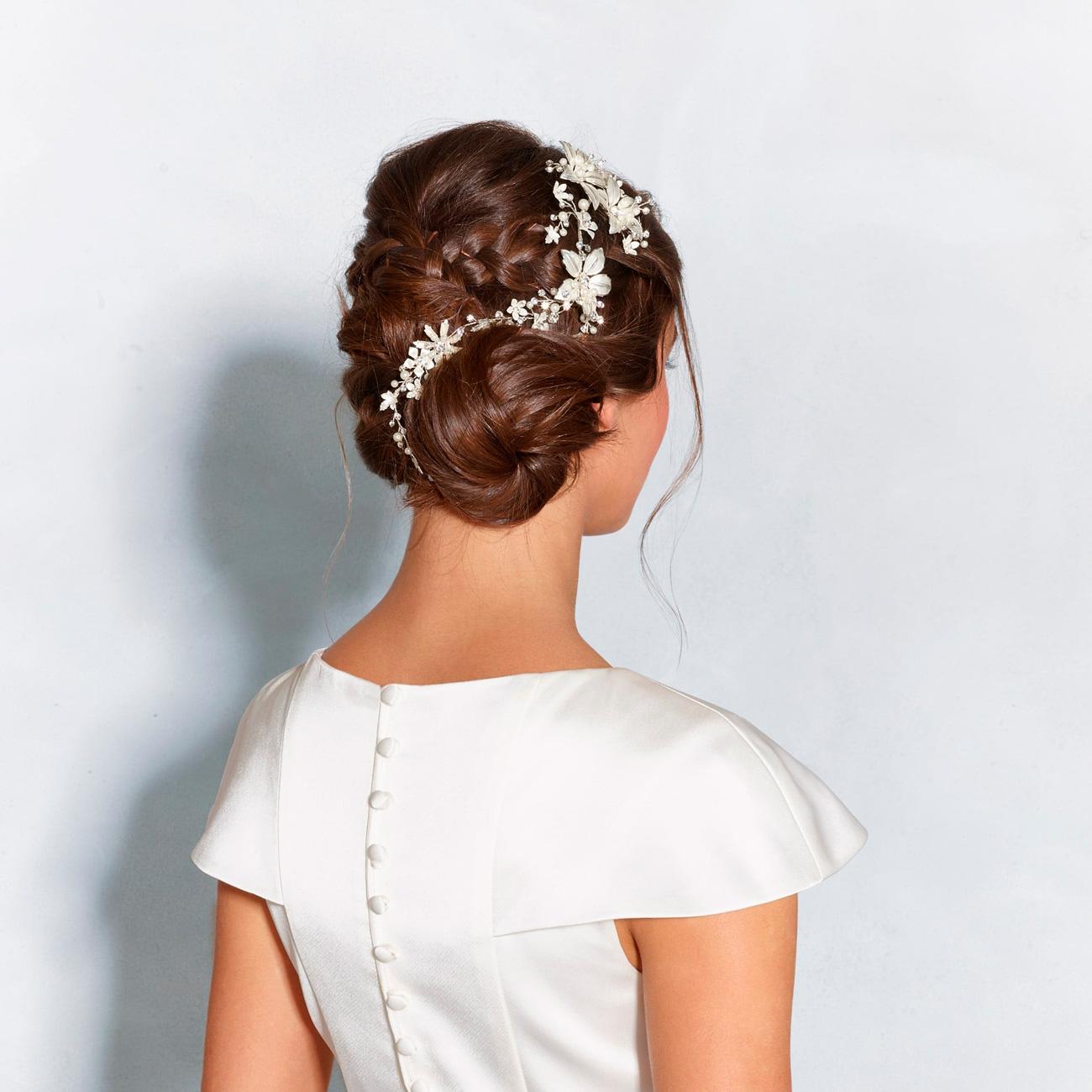 esküvői frizura, Hat ragyogó esküvői frizura hajékszerekkel kiegészítve – Hozzád melyik stílus illik a legjobban?