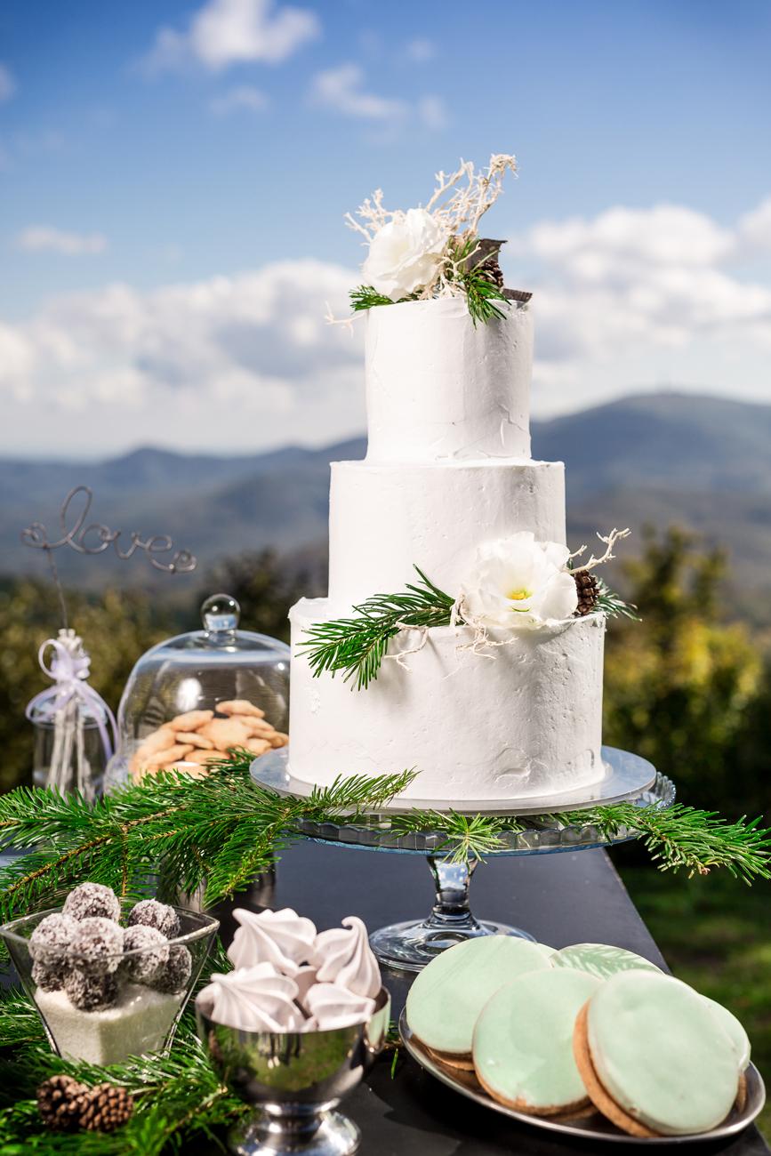 1cebb5e8a2 Top 5: Klasszikusan elegáns tortacsoda, és akik elkészítik őket az ...