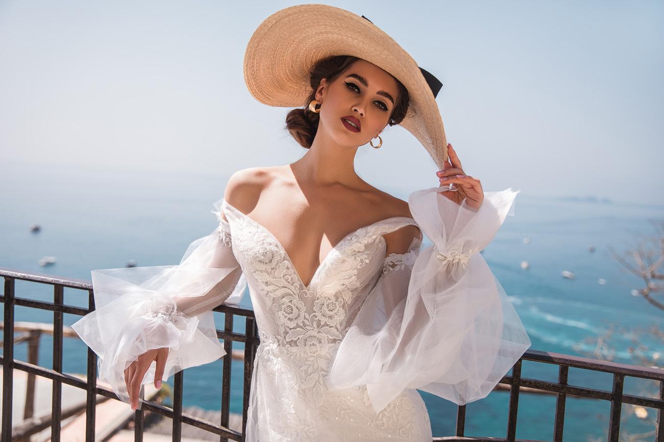 1c583a141a La Petra tökéletesen fogja meg ezt az életérzést legújabb menyasszonyi ruha  kollekciójában.