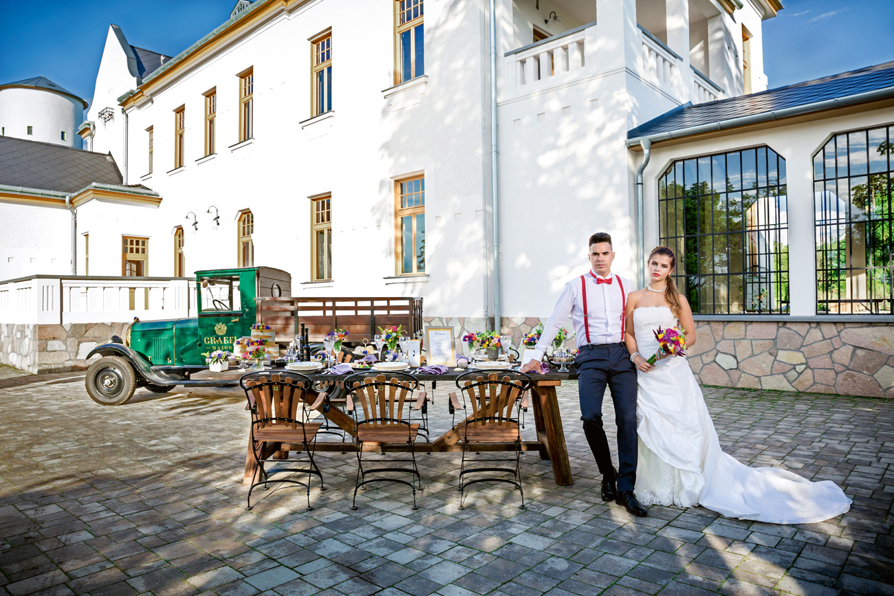 Esküvői dekoráció, esküvői helyszín, esküvői torta, ital esküvőre, esküvői fotós, esküvői videós, menyasszonyi ruha, öltöny