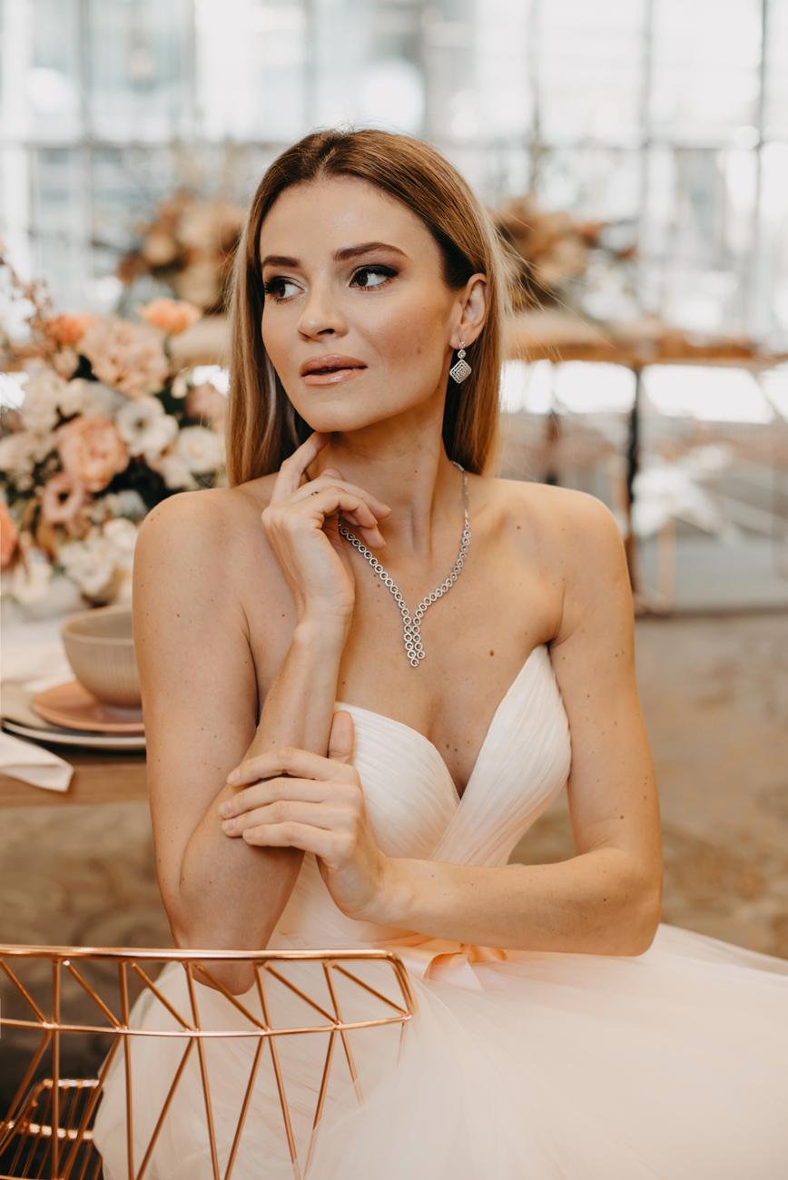 esküvői ékszer, alkalmi ékszer, karikagyűrű, eljegyzésigyűrű, menyasszonyi ékszer szett