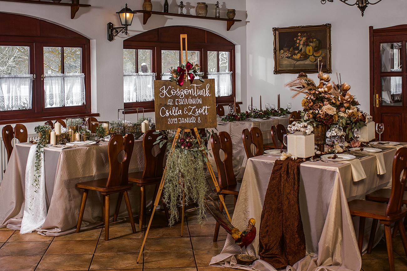 Esküvői teremdekoráció, virágdekoráció, esküvői dekoráció