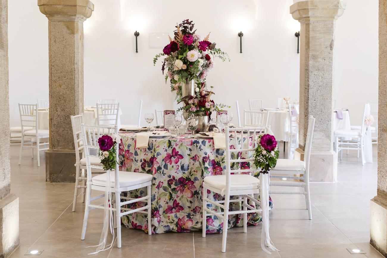 esküvői virágdekoráció, teremdekoráció, asztali dekoráció