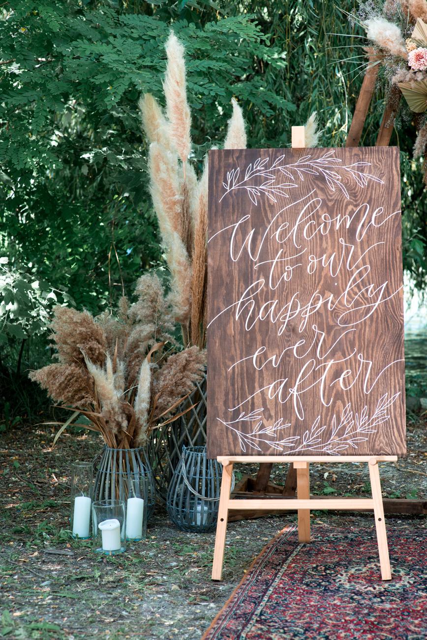 esküvői idézetek, Dekorációs táblák különleges feliratokkal: néhány tipp, amitől egyedi lesz az esküvői dekoráció