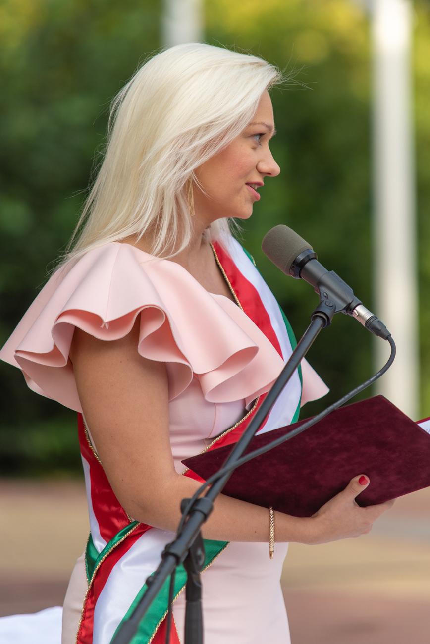 Tóth Kitti szertartásvezető – Mondj Igent Velem!