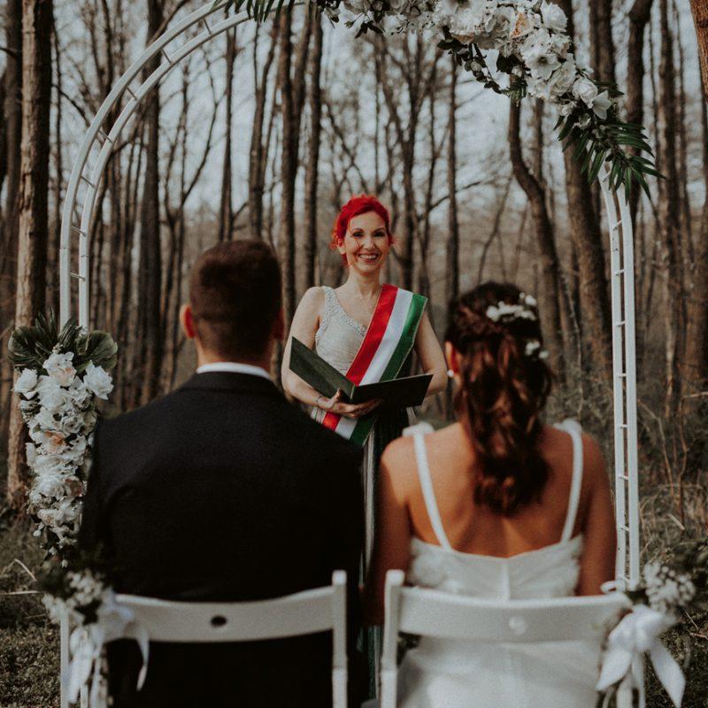Kovács Rami és Nagy Dani / rusztikus erdei esküvő