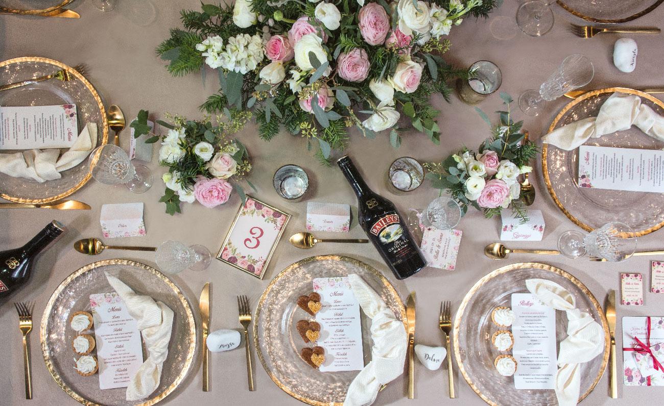 esküvői virágdekoráció, asztaldekoráció, esküvői dekoros, esküvői dekoráció ár