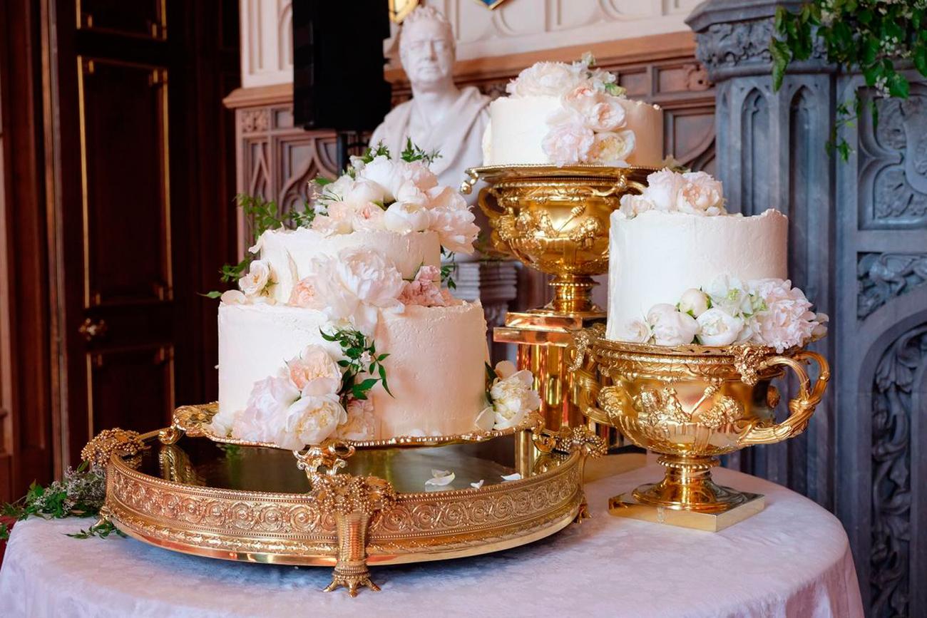 esküvői torta, esküvői torta ár, esküvői torta szelet ára, desszertpult, tortapult