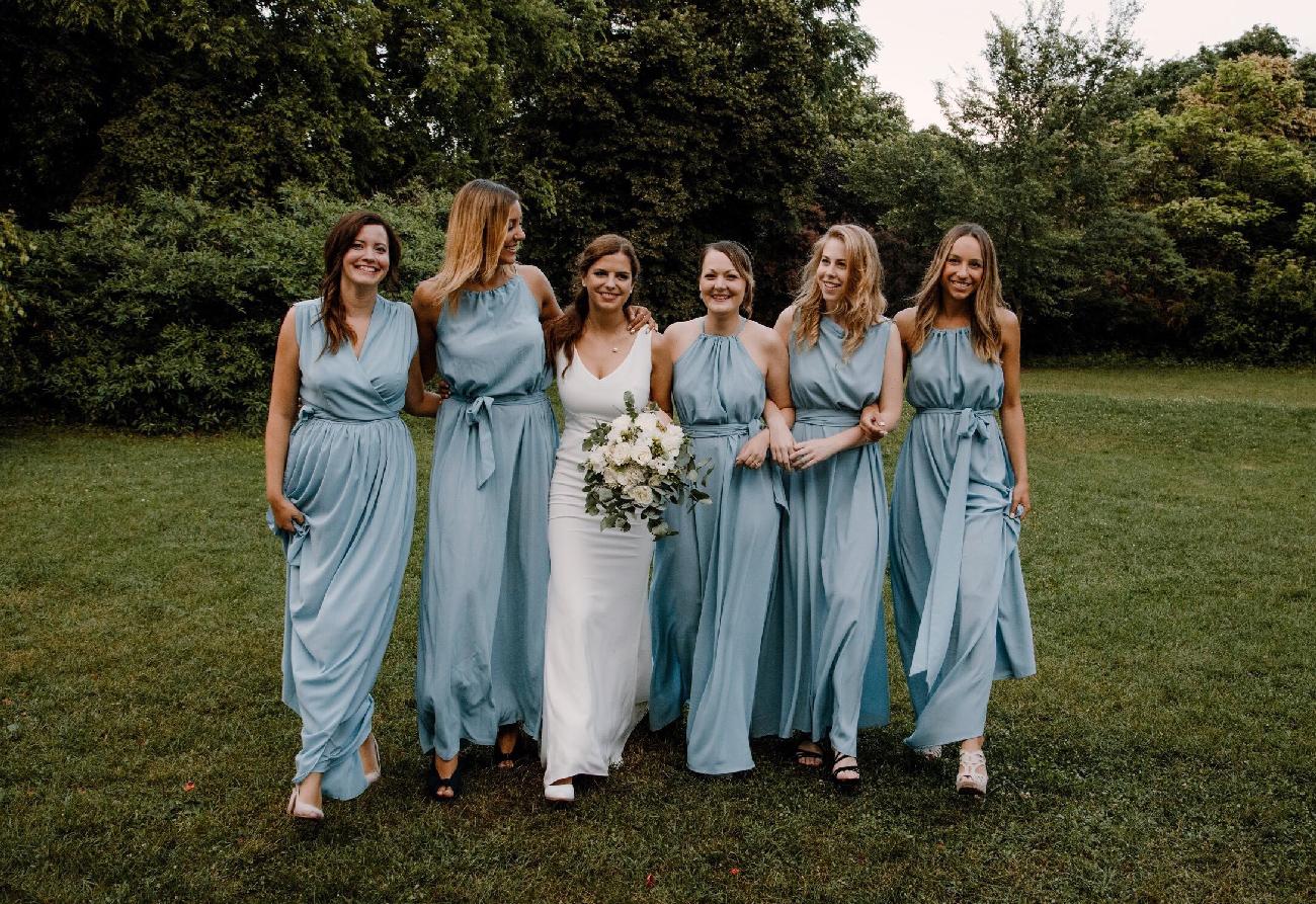Grazia Store, koszorúslány ruha, menyasszonyi ruha, örömanya ruha, varrás