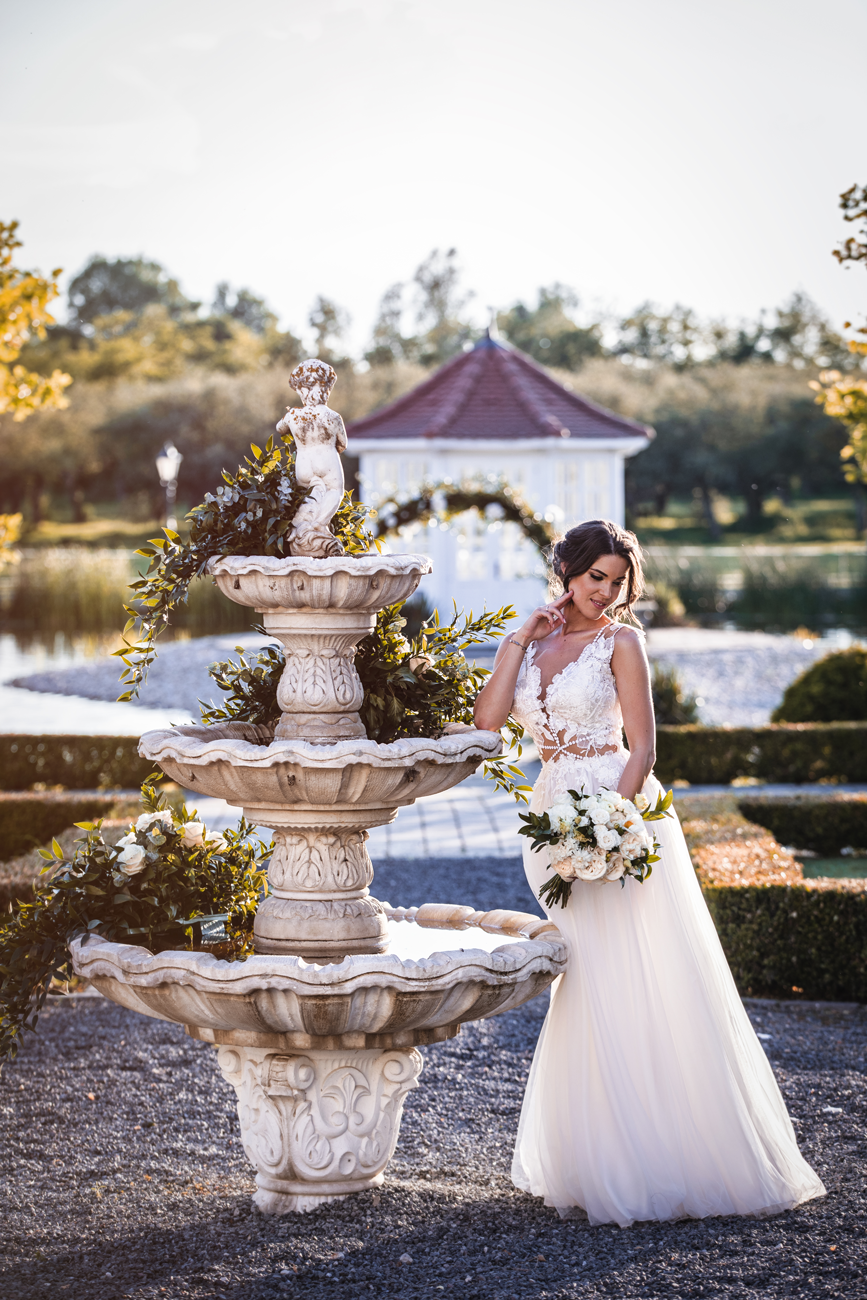 esküvőszervező, Mesébe illő esküvő a kastélyban – Emília és Dávid nagy napját a Poppie&Co. esküvőszervezője váltotta valóra