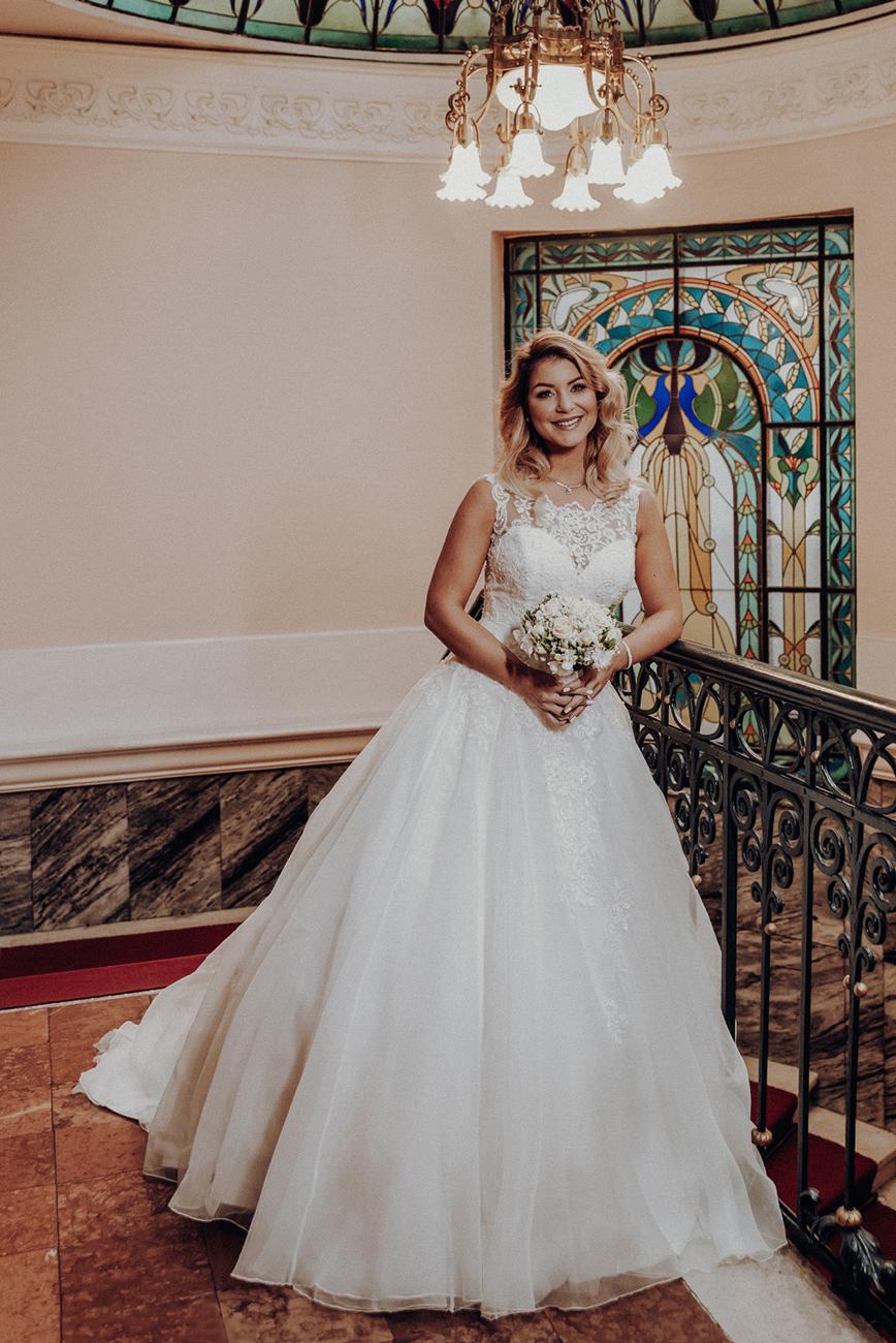 ruhatervező, 9 magyar esküvői ruhatervező, akinek a munkáitól még a mi lélegzetünk is eláll