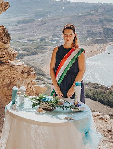 tengerparti esküvő Máltán, Varázslatos tengerparti esküvő Máltán – Ha már el kell halasztanotok a nagy napot, szökjetek meg kettesben a Vintage Wedding Planner segítségével