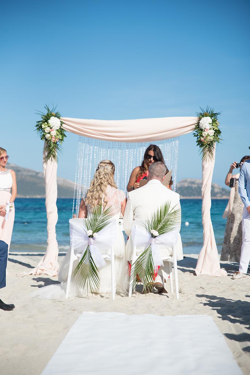 Tengerparti esküvő Szardínián, Tengerparti esküvő Szardínián: a romantikus álomesküvőt és nászutat a vírus miatt csak halasztani kell