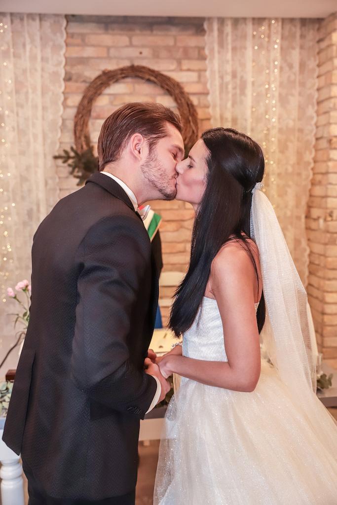 Veréb Tamás esküvő, Mesés téli esküvő – Összeházasodott Klajkó Szandra és Veréb Tamás