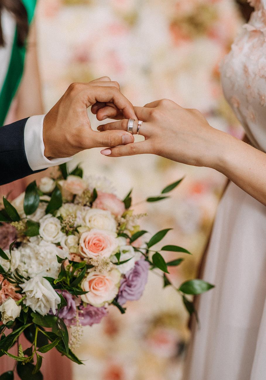 házassági szerződés, Kell vagy nem kell házassági szerződés? Miért és kinek érdemes kötnie az esküvő előtt vagy után?