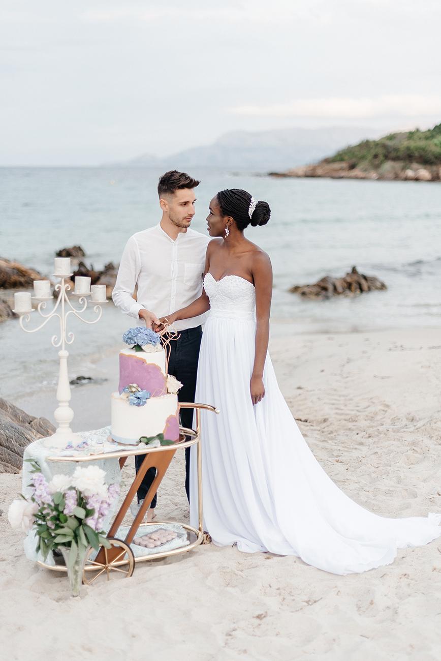 Tengerparti Esküvő Szardínián, Írd meg a love story-tokat és nyerjétek meg a legromantikusabb esküvői fotózást Szardínián! Ha mindig is tengerparti esküvő volt az álmod, játssz velünk!
