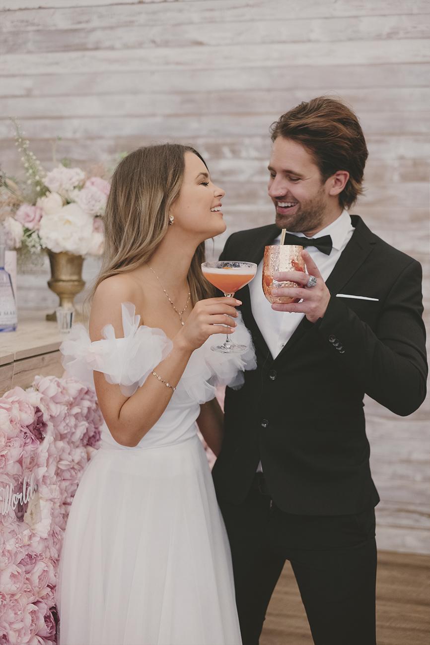 koktélbár esküvőre, Koktélbár esküvőre – Az EscoBar Koktél Show extravagáns koktélokkal és felejthetetlen látványelemekkel érkezik a helyszínre