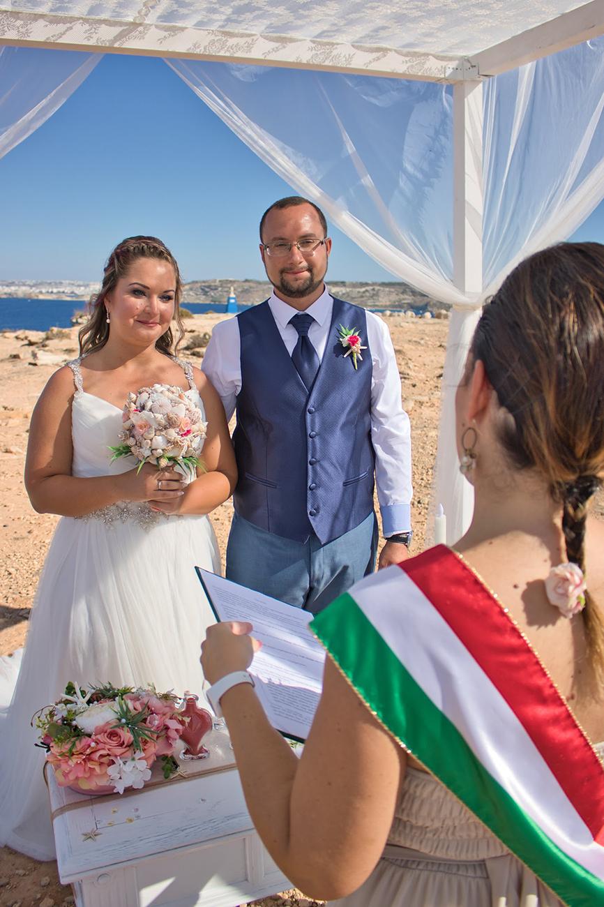 esküvő Máltán, Romantikus esküvő Máltán, a földi paradicsomban – Ilyen volt Orsi és Isti nagy napja Pandula Judit szervezésében