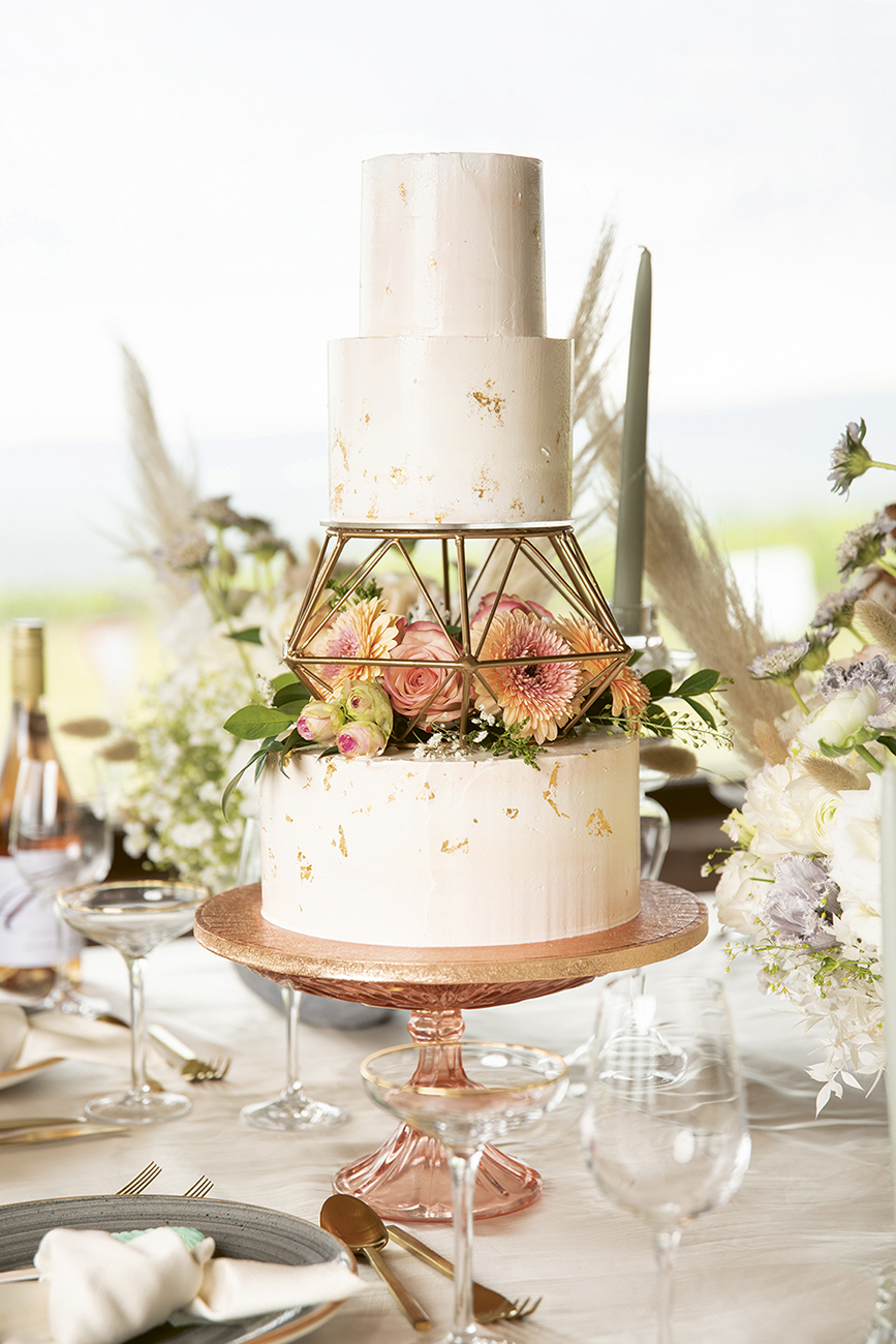 esküvői desszertasztal, A sütemény lelke, az esküvői desszertasztal éke – A Cake Norell tortái megkoronázzák a nagy napot