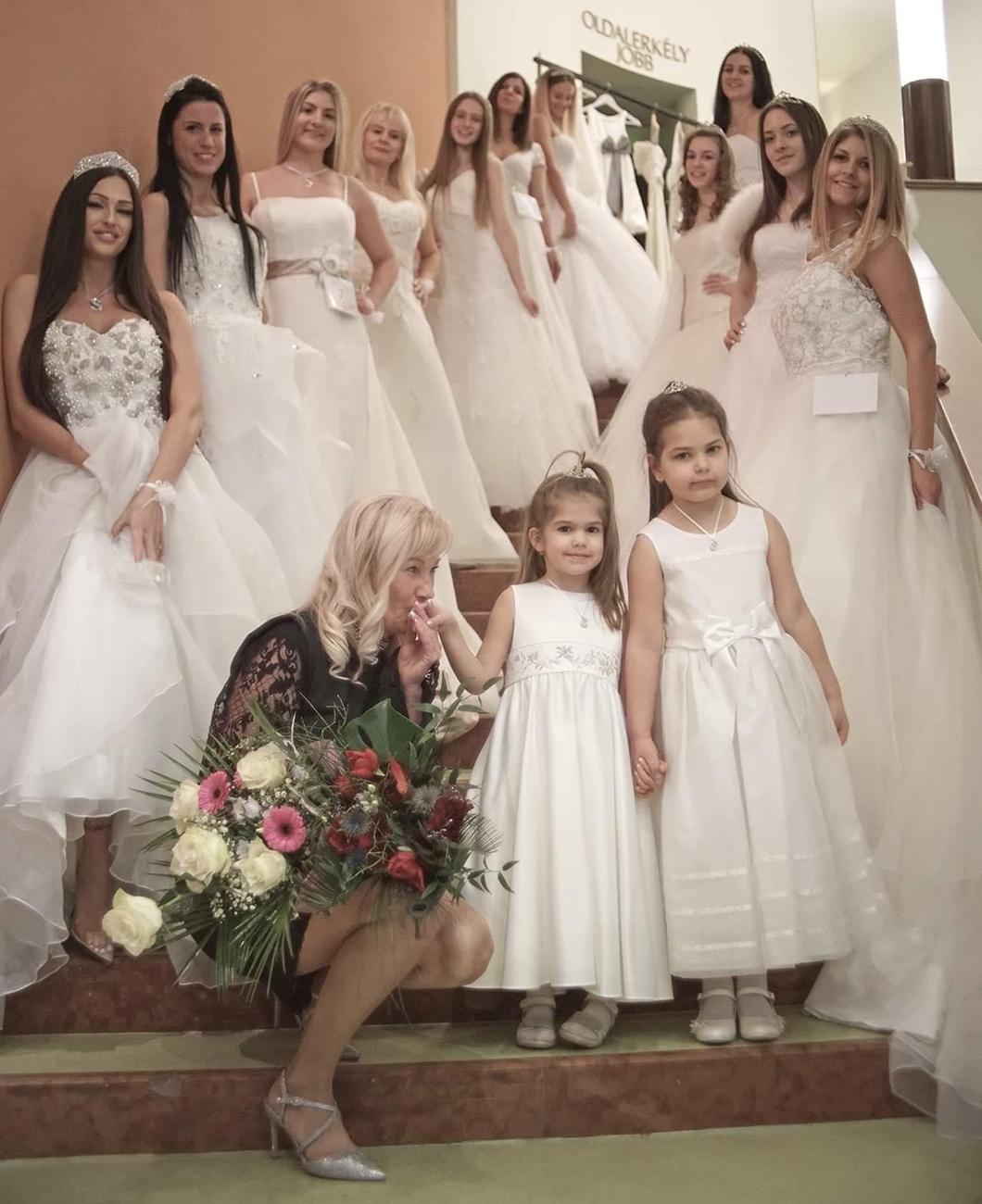 menyasszonyi ruhavarrás, Koszorúslány és menyasszonyi ruhavarrás, kölcsönzés egy helyen – A Sissi Méteráru és Rövidáru Princess & Menyasszonyi Ruhák üzletben mindent megtalál, ami az álomruhához kell