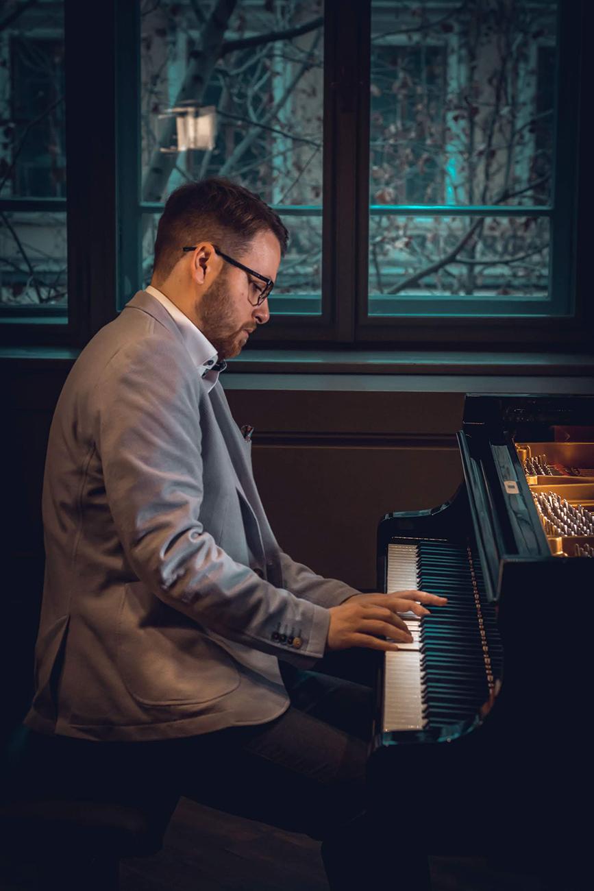 élő zongorajáték, Élő zongorajáték az esküvődön – A Zongorálomesküvő exkluzív koncertélményt nyújt a bevonulástól egészen a vacsoráig