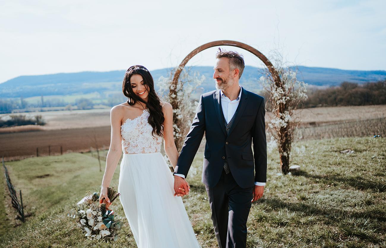 esküvő a természetben