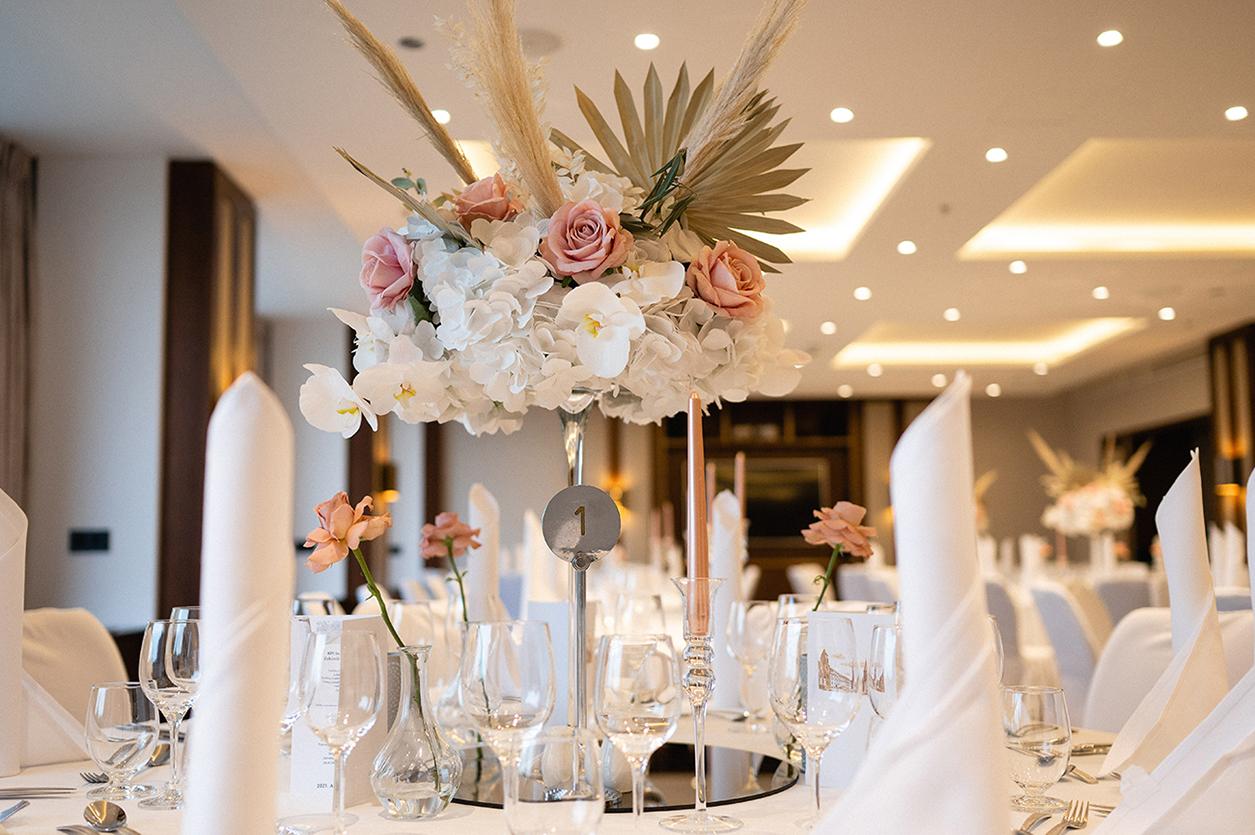 csodálatos esküvői asztal dekoráció